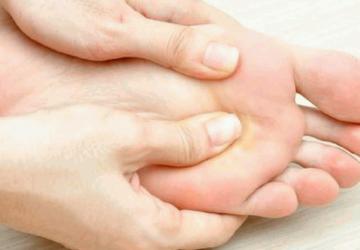 regular foot massage therapy
